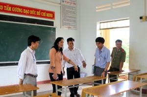 Ban chỉ đạo kiểm tra tại Hội đồng thi Trường THPT Krông Nô
