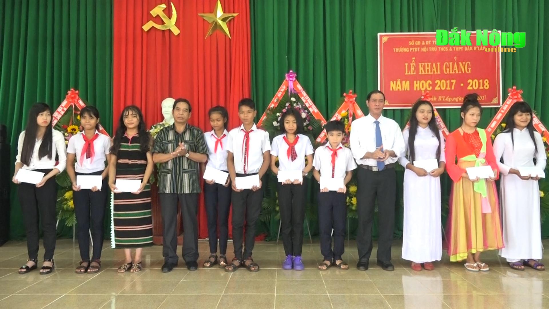 Chủ tịch UBMTTQ VN tỉnh dự khai giảng năm học mới tại huyện Đắk R'lấp