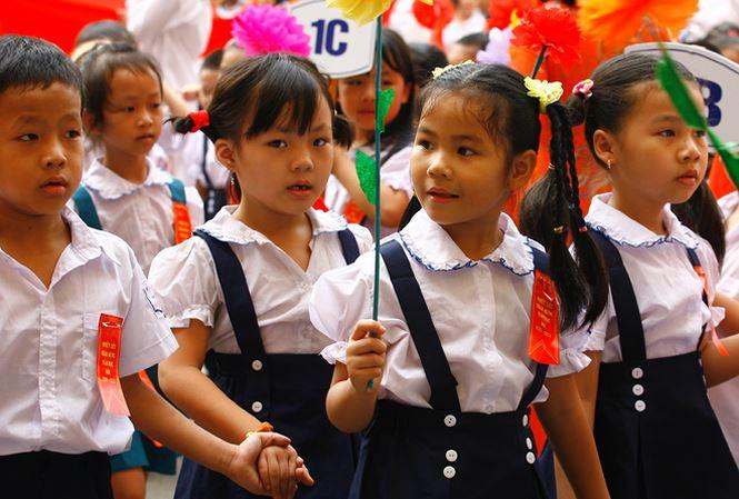 Học sinh tiểu học trường Ngô Quyền, Hà Nội trong ngày khai giảng. Ảnh: hồng vĩnh