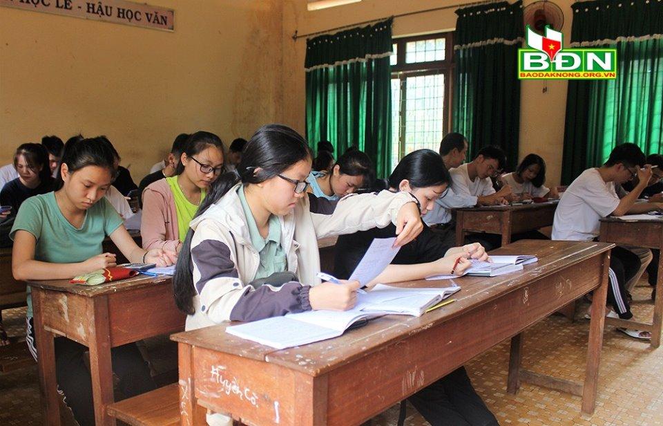 Học sinh tăng cường ôn tập, sẵn sàng cho kỳ thi tốt nghiệp THPT năm 2020