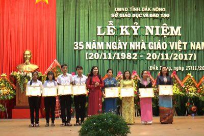 Kỷ niệm 35 năm ngày Nhà giáo Việt Nam