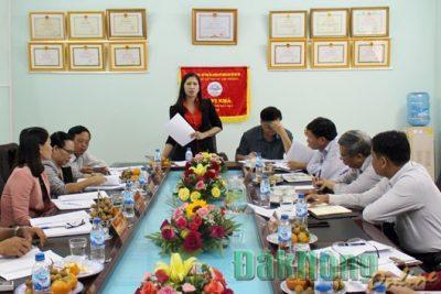 Lãnh đạo UBND tỉnh làm việc với Sở Giáo dục và Đào tạo