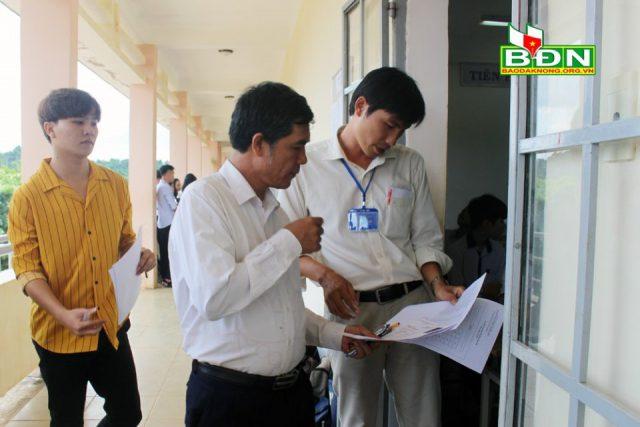 54 tuổi vẫn tự tin dự thi THPT Quốc gia
