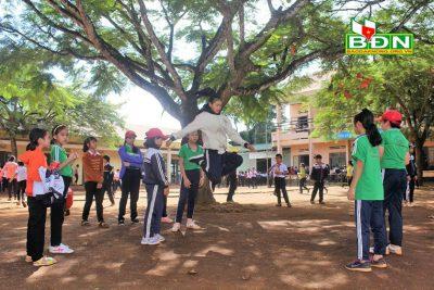 Tăng cường nguồn lực, nâng cao chất lượng giáo dục học sinh DTTS