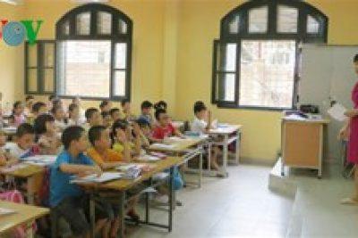 Chấm dứt bồi dưỡng giáo viên tiếng Anh theo hình thức vừa học vừa làm
