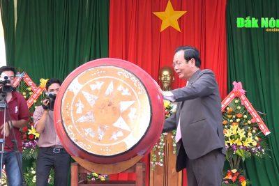 Phó Bí thư Thường trực Tỉnh ủy dự khai giảng tại Trường THPT chuyên Nguyễn Chí Thanh