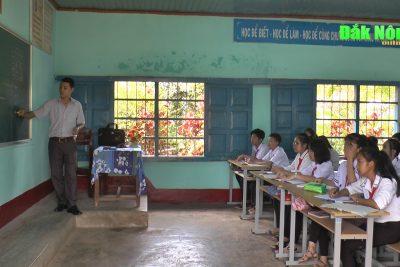 24.171 học sinh Đắk Mil bước vào năm học mới