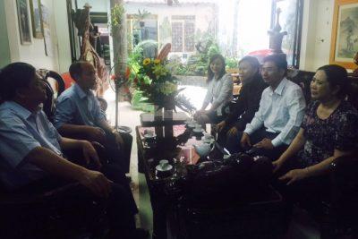 Lãnh đạo Ngành Giáo dục và Đào tạo tỉnh Đắk Nông thăm và tặng quà các nhà giáo nghỉ chế độ
