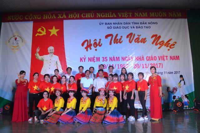 Hội thi văn nghệ chào mừng 35 năm ngày Nhà giáo Việt Nam