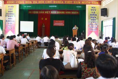 Hội thảo viết Sáng kiến kinh nghiệm và Nghiên cứu khoa học sư phạm ứng dụng Ngành Giáo dục tỉnh Đăk Nông năm 2015