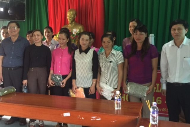 Lãnh đạo Ngành GDĐT tỉnh Đắk Nông thăm, động viên đội ngũ cán bộ, giáo viên, nhân viên và học sinh tại huyện Đắk Song