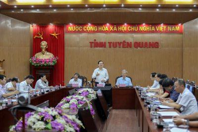 Bộ trưởng Phùng Xuân Nhạ: Làm giáo dục vùng khó khăn cần kiên trì, có bước đi phù hợp