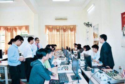 Nhân lực Việc làm cho vùng kinh tế trọng điểm miền Trung: Thách thức cho các cơ sở đào tạo