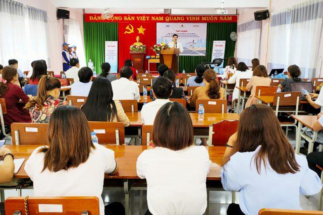 Tập huấn nâng cao năng lực cho CBQL, giáo viên tiểu học về tài liệu giáo dục An toàn giao thông